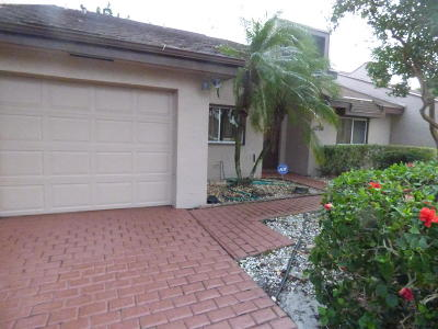 Lake Worth Single Family Home For Sale: 4718 Fountains Drive