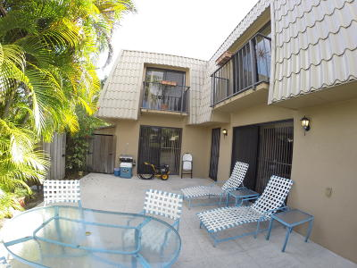 West Palm Beach Townhouse For Sale: 5025 50th Way
