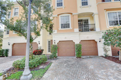 Townhouse Sold: 612 NE Venezia Lane