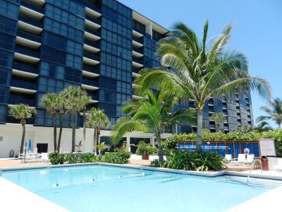 Jensen Beach Condo For Sale: 10410 S Ocean Drive #405