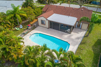 Jupiter Single Family Home For Sale: 18329 Jupiter Landings Drive
