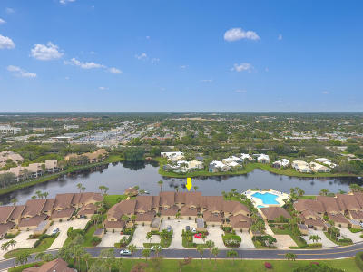 Jupiter Condo For Sale: 16997 Waterbend Drive #136
