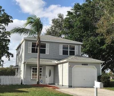 West Palm Beach Single Family Home For Sale: 4669 Lakeside Circle