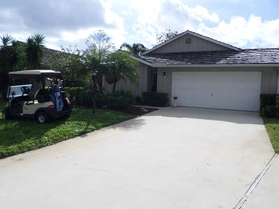 Hobe Sound Single Family Home Contingent: 13212 SE Crooked Stick Lane