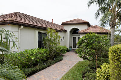 West Palm Beach Single Family Home For Sale: 6445 Sparrow Hawk Drive