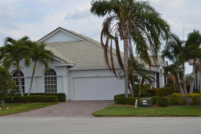 Jensen Beach Single Family Home Contingent: 661 NW Red Pine Way