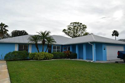 Jensen Beach Single Family Home For Sale: 1993 NE Acapulco Drive