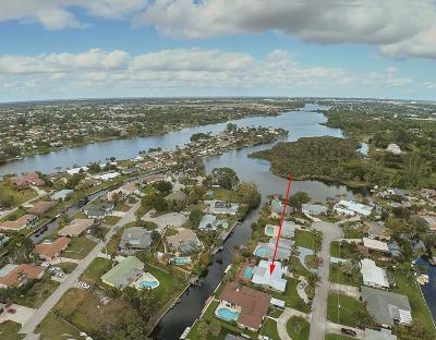 Lake Worth Single Family Home For Sale: 6851 Kingston Drive