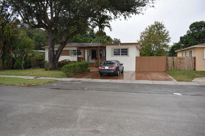 Miami Single Family Home For Sale: 14610 NW 13th Avenue
