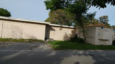 West Palm Beach Single Family Home For Sale: 1825 Windsor Avenue