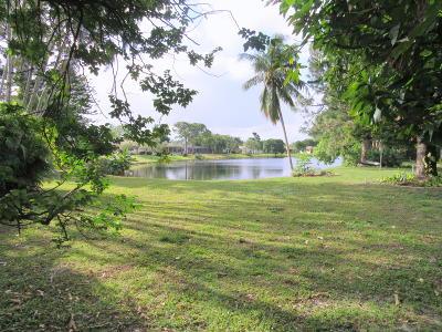 Delray Beach Single Family Home For Sale: 14688 Hideaway Lake Lane