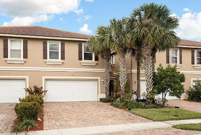 Greenacres Townhouse Contingent: 4205 Windmill Palm Way