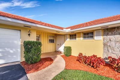 Atlantis Single Family Home Contingent: 216 Gleneagles Drive