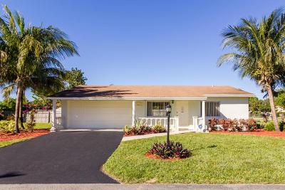 West Palm Beach Single Family Home For Sale: 797 Flamango Court W
