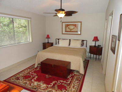 Palm Beach Single Family Home For Sale: 823 Club Drive