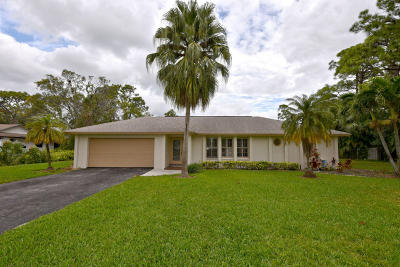 Jupiter Single Family Home For Sale: 5665 Shirley Drive