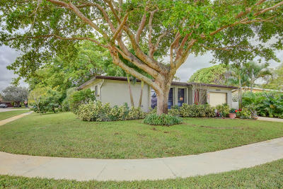 Delray Beach Single Family Home For Sale: 14849 Wood Lodge Lane