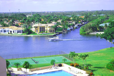 North Palm Beach Condo For Sale: 370 Golfview Road #802