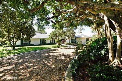 North Palm Beach Single Family Home For Sale: 876 Village Road