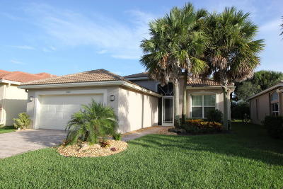Boynton Beach Single Family Home For Sale: 10899 Carmelcove Circle
