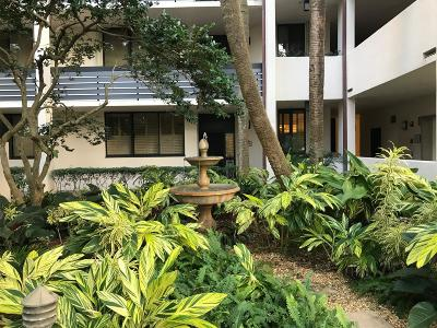 North Palm Beach Condo For Sale: 11370 Twelve Oaks Way #114