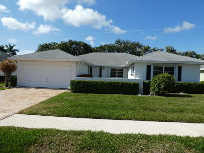 Boynton Beach Single Family Home For Sale: 10911 Greentrail Drive S