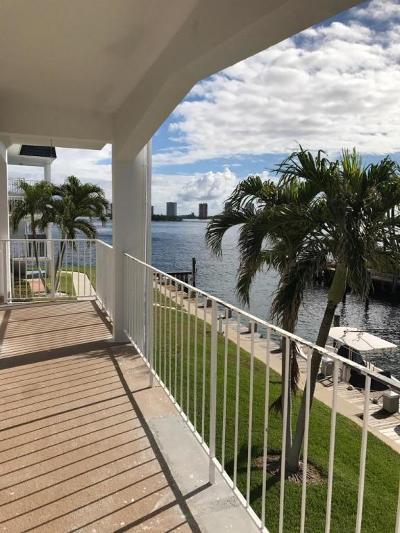 North Palm Beach Condo For Sale: 110 Shore Court #201