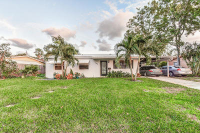 North Palm Beach Single Family Home Contingent: 745 Cinnamon Rd