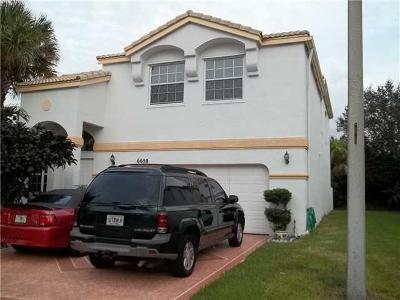 Lake Worth Single Family Home For Sale: 6658 Waverly Lane