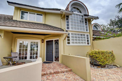 Wellington Townhouse For Sale: 2624 Muirfield Court