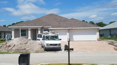 Port Saint Lucie Single Family Home For Sale: 328 SW Vista Lake Drive