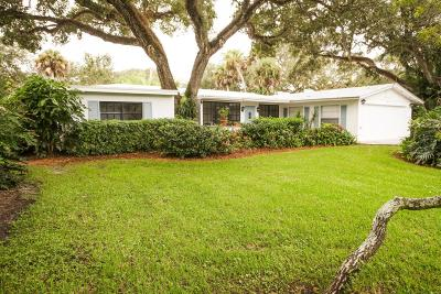 Vero Beach Single Family Home For Sale: 640 Date Palm Road