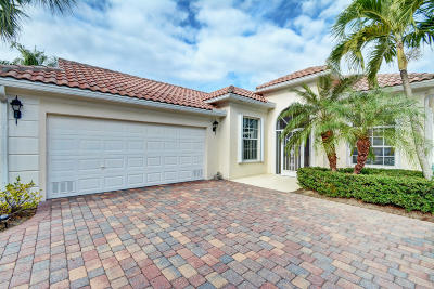 Hobe Sound Single Family Home Contingent: 8407 SE Angelina Court