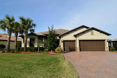 Single Family Home For Sale: 302 SE Huntington Circle