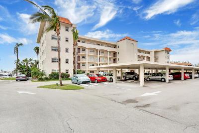 North Palm Beach Condo For Sale: 21 Yacht Club Drive #103