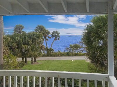 Fort Pierce Single Family Home For Sale: 10301 S Indian River Drive