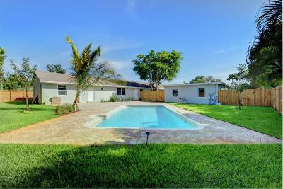 Delray Beach Multi Family Home For Sale: 241 NE 13th Street