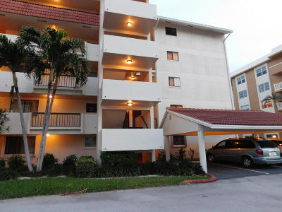 North Palm Beach Condo For Sale: 300 Golfview Road #201