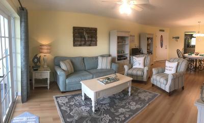 North Palm Beach Condo For Sale: 124 Shore Court #308