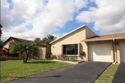 Boynton Beach Single Family Home For Sale: 5550 Mirror Lakes Boulevard