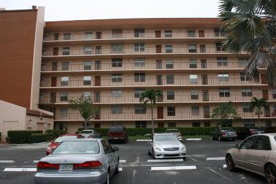 Delray Beach Condo For Sale: 14671 Bonaire Boulevard #407
