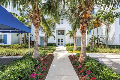 Juno Beach Condo For Sale: 911 Bay Colony Drive S