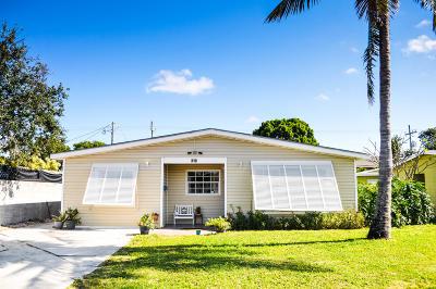 Lantana Single Family Home Contingent: 310 Pinewood Street
