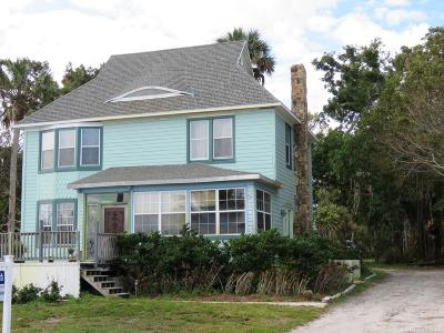 Fort Pierce Single Family Home For Sale: 8001 S Indian River Drive