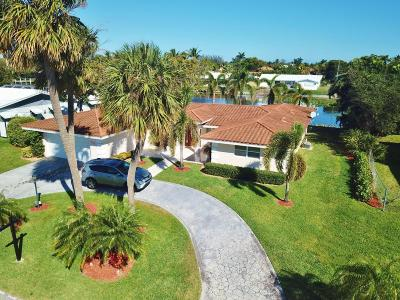 West Palm Beach Single Family Home For Sale: 8390 W Lake Drive