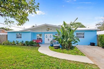 Jensen Beach Single Family Home Contingent: 1496 NE Hilltop Street