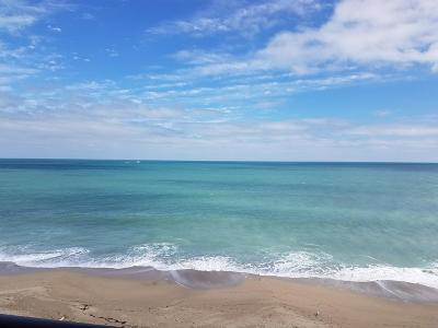 Jensen Beach Condo For Sale: 8750 S Ocean Drive #433