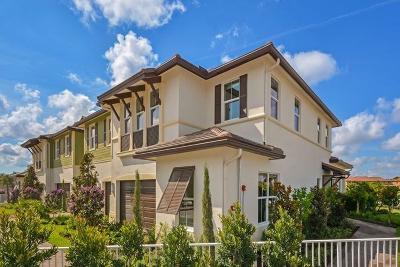 Palm Beach Gardens Townhouse For Sale: 4753 Pga Boulevard