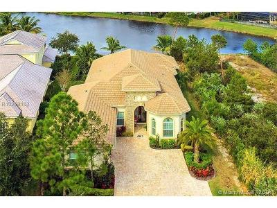 Hobe Sound Single Family Home For Sale: 6251 SE Moss Ridge Point
