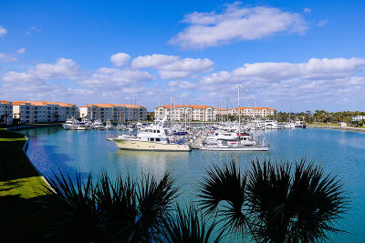 Fort Pierce Condo For Sale: 17 Harbour Isle Drive W #304